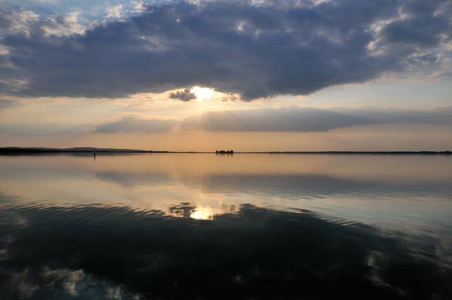 """""""Am Steinhuder Meer mit Blick auf die Insel Wilhelmstein"""", Foto © Friedhelm Denkeler 2009"""