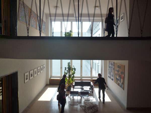 """""""Das Foyer im 4. und 5. Stock des Bayer-Hauses"""", Foto © Philippe Saunier 2012"""