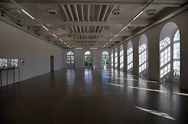"""""""Documenta 13: Fridericianum mit Arbeit von Ryan Gander"""", Foto © Friedhelm Denkeler 2012"""