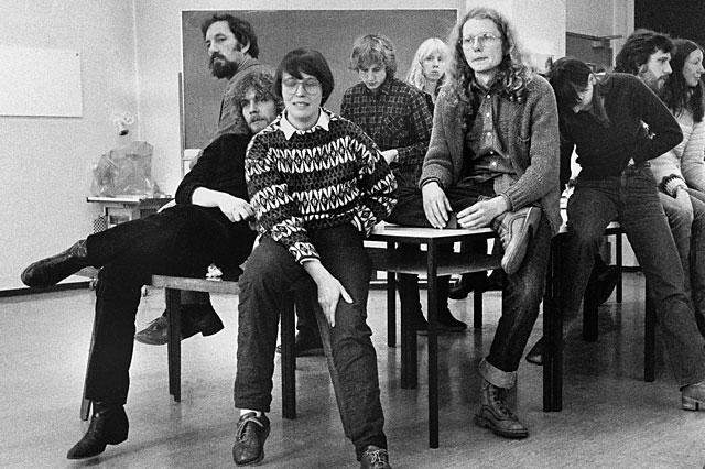 """""""Hildegard Ochse während des Workshops mit Andre Gelpke in der Werkstatt für Photographie"""" (Ausschnitt), Berlin-Kreuzberg, 06.12.1980, Foto © Friedhelm Denkeler"""