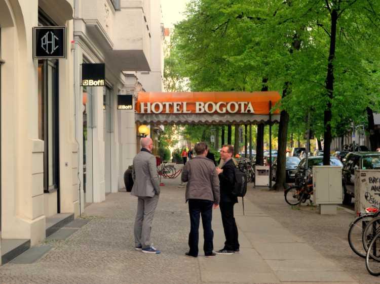 """""""Das Hotel Bogota in der Schlüterstraße"""", Foto © Friedhelm Denkeler 2013"""