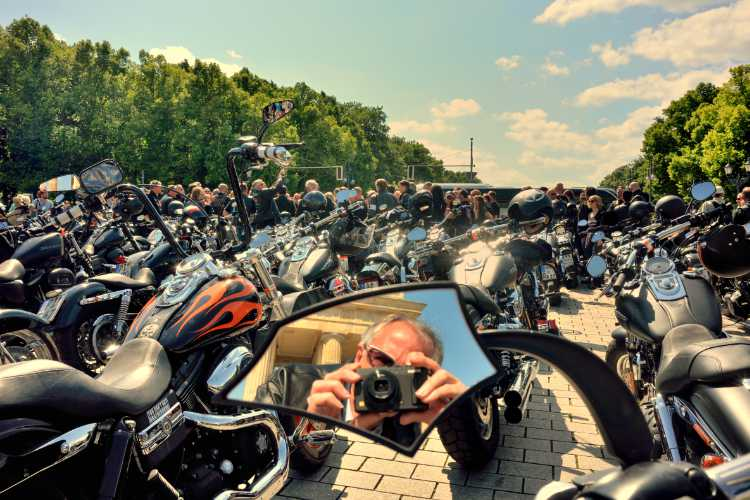 »Tage wie diese …«, Harley Davidson-Teffen am Brandenburger Tor, Berlin, Foto © Friedhelm Denkeler 2014