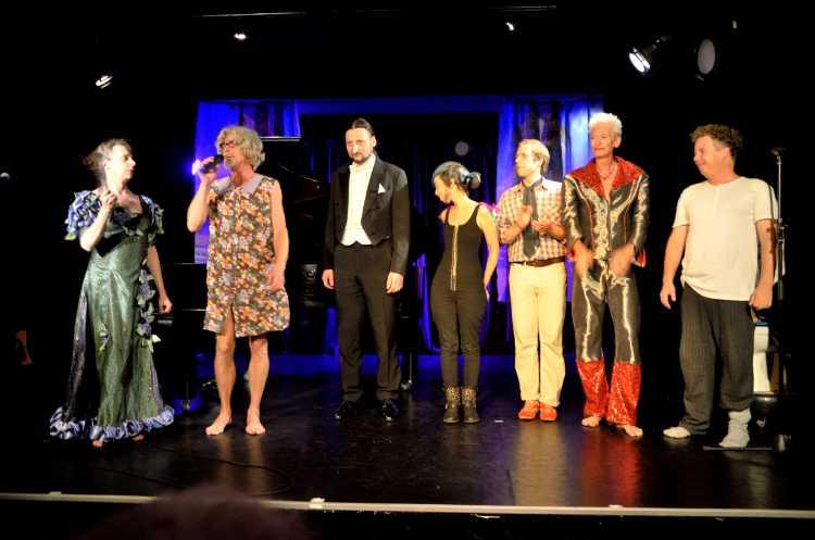 »Oma Kläre's Kabinett der kuriosen Köstlichkeiten«, Theater O-TonArt, Foto © Friedhelm Denkeler 2014