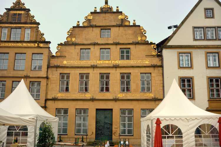 »Bielefeld – Nach dem Weinfest«, Foto © Friedhelm Denkeler 2014