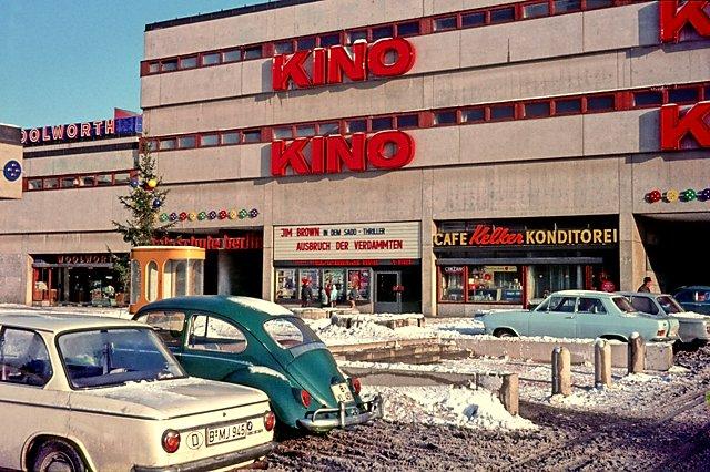 """""""Kino im Märkischen Viertel"""", Foto © Friedhelm Denkeler 1968"""
