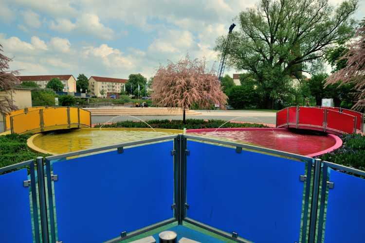 »Wer hat Angst vor Blau, Rot und Gelb?«, Optikpark, Rathenow, Foto © Friedhelm Denkeler 2009