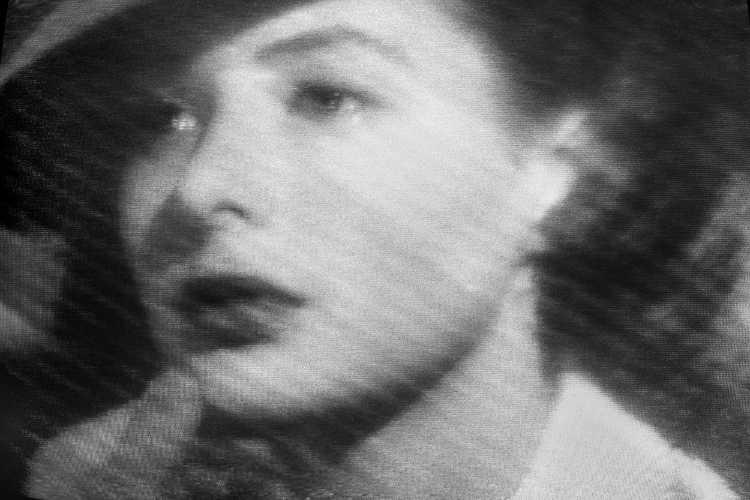 »Ich seh´ Dir in die Augen Kleines…«, aus der Serie »Abschied in Casablanca« (Televisionen), Foto © Friedhelm Denkeler 1989
