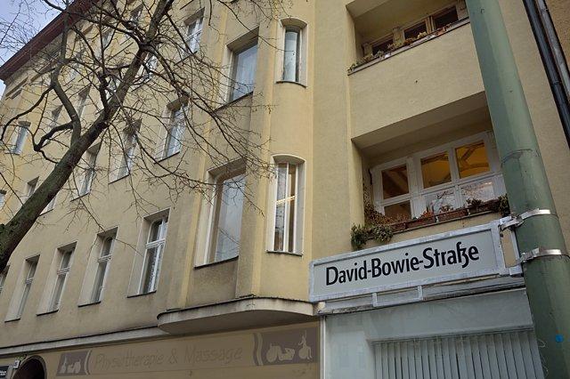 """David-Bowie-Straße"" (Hauptstraße 155 in Berlin Schöneberg), Foto © Friedhelm Denkeler 2016"