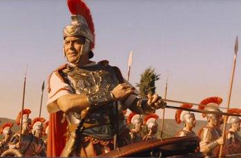 """""""George Cloony als Baird Whitelock als römischer Offizier in Hail Caesar!"""", Foto © Friedhelm Denkeler 2016"""