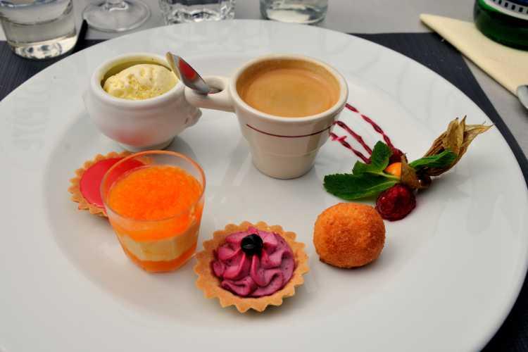 »Cafè Gourmand in Grenoble«, Foto © Friedhelm Denkeler 2014