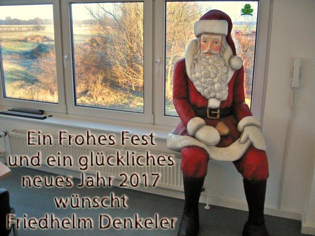 """""""Der Weihnachtsmann auf der Fensterbank … ratlos"""", Foto © Friedhelm Denkeler 2008"""