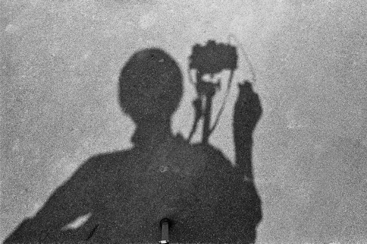 »Einbein-Schatten«, aus der Serie »Schatten und Spiegel«, Foto © F'riedhelm Denkeler 1979