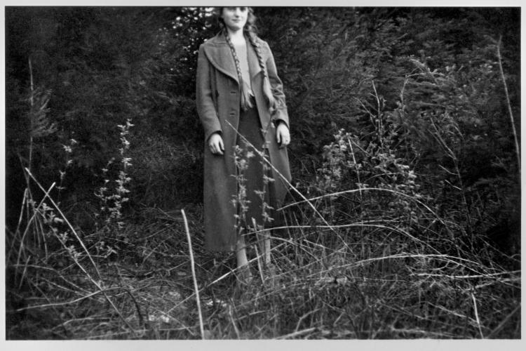 Elli, abgeschnitten«, aus der Serie »Erinnerungen – Ein Leben in Bildern«: »Die Vorgeschichte 1920-1943«, Archiv © Friedhelm Denkeler 1942