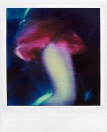"""aus der Serie """"Lady In Red"""", Polaroid SX-70, Foto © Friedhelm Denkeler 1990"""