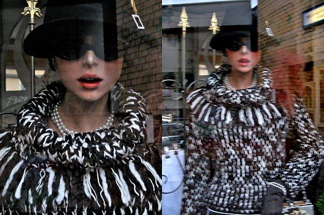 """""""20. Januar 2007"""", aus der Serie """"20. Januar 2007"""", aus der Serie """"Second Hand Model"""" – Eine One-Woman-Performance in 52 Rollen über 4 Jahre"""", Foto © Friedhelm Denkeler 2007"""