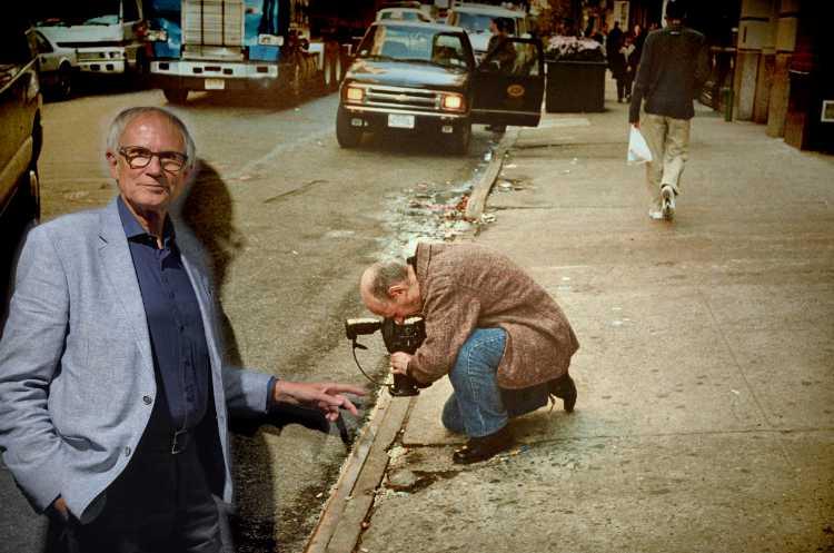 »Wie ich Irving Penn beim Fotografieren auf eine interessante Zigarettenkippe hinwies«, Ausstellung »Irving Penn – Der Jahrhundertfotograf«, C/O Berlin), Foto © Friedhelm Denkeler 2018