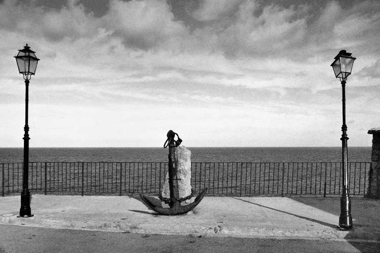 »Anker mit Diebstahlsschutz in Puerto de Sòller«, Foto © Friedhelm Denkeler 2003