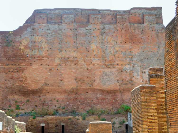 »Ostia Antica – die alte Hafenstadt an der Tibermündung«, Foto © Friedhelm Denkeler 2011