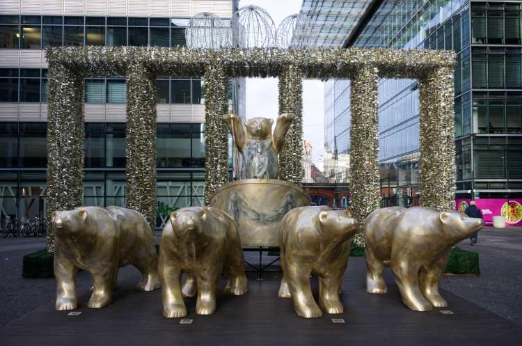 »Die Bären sind los!«, Neues Kranzlereck, Berlin, Foto © Friedhelm Denkeler 2020