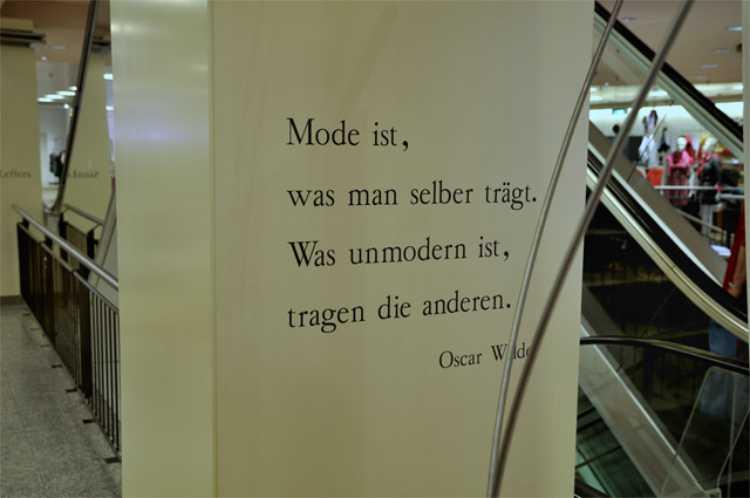»Mode ist, was man selber trägt. Was unmodern ist, tragen die anderen«, Foto © Friedhelm Denkeler 2010