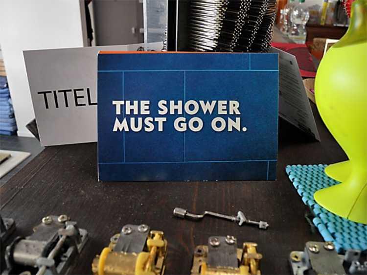 »The Shower Must Go On«, Foto © Friedhelm Denkeler 2012