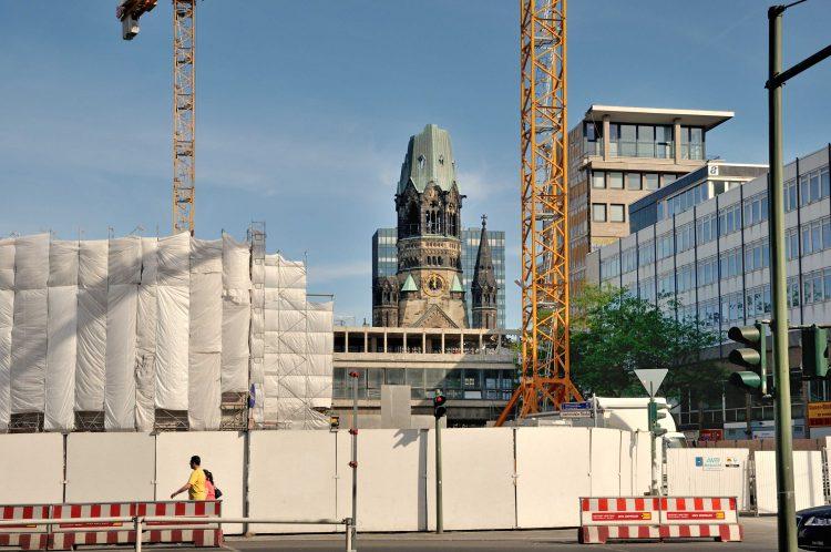 »Baustelle mit Gedächtnis-Kirche«, Foto © Friedhelm Denkeler 2009